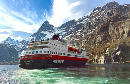 Hurtigruten norska fjordarna